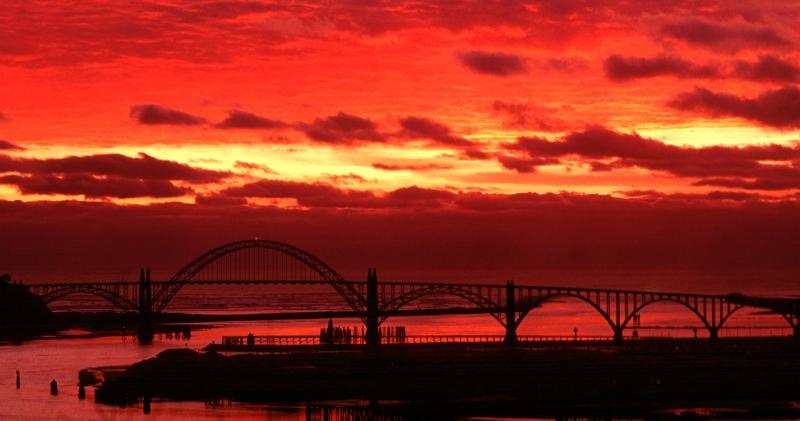 Yaquina Bay Bridge sunrise